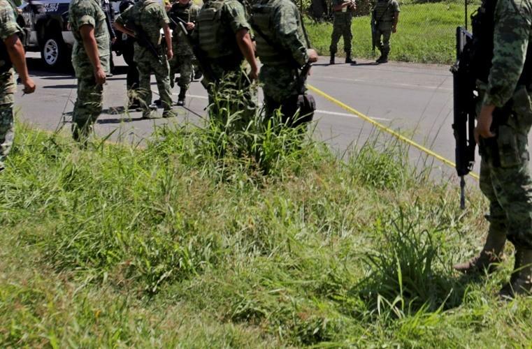 Encuentran cuerpos de dos militares ejecutados; los levantaron en Acapulco, Guerrero