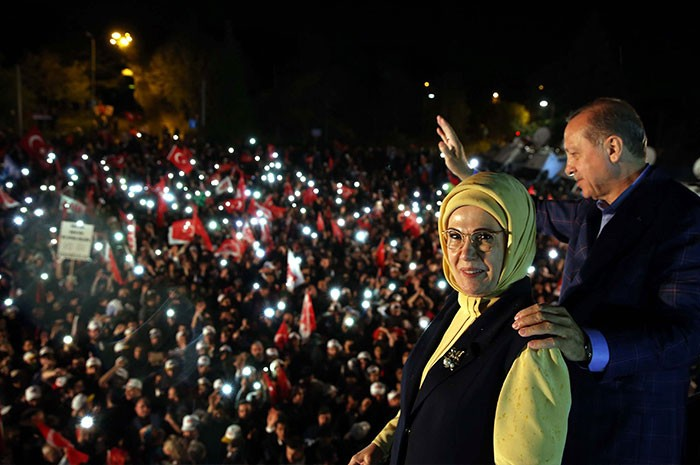 Cuestionan observadores validez de referéndum turco
