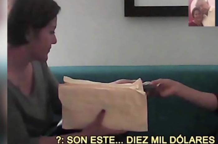 Filtran nuevas imágenes de ex candidata de Morena recibiendo miles de dólares