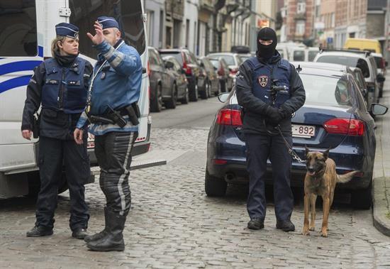 Hallan una bomba en taller de atacantes de Barcelona