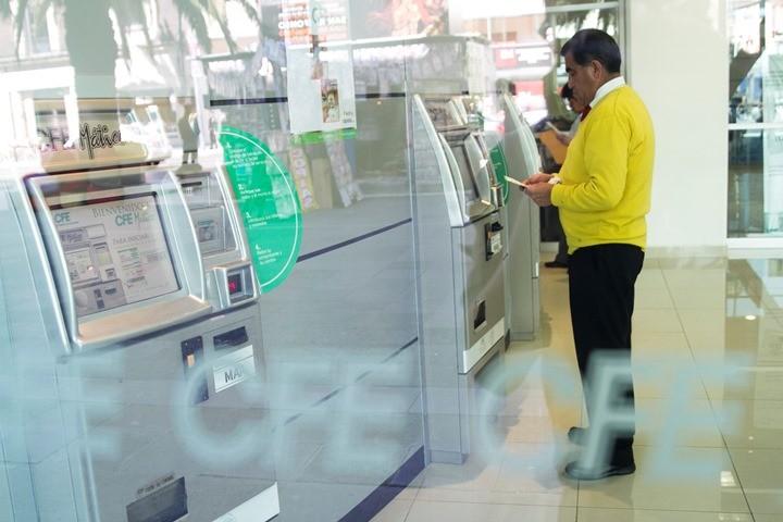 Utilidades de CFE caen 98% en el segundo trimestre — MÉXICO