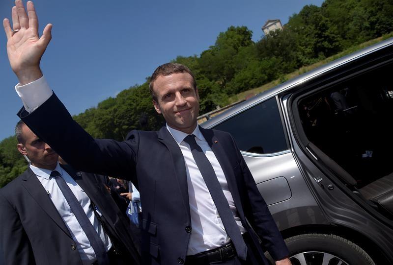 Macron hace llamado para crear unidad antiterrorismo