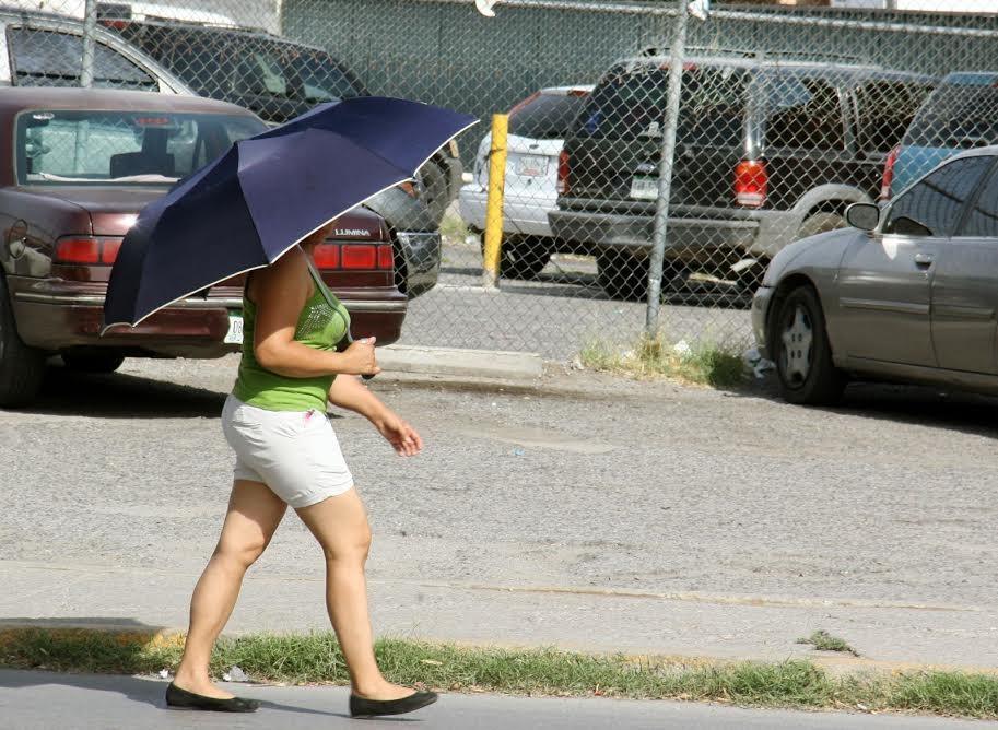 En Ciudad Juárez mantienen alerta naranja por calor extremo