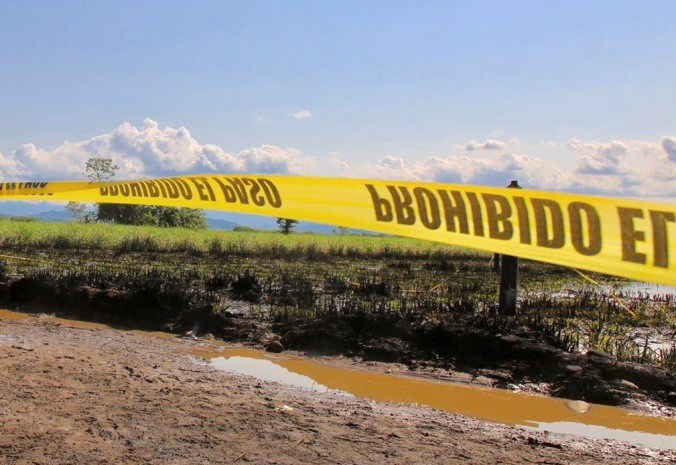 Pemex controla fuga de gas LP provocada por toma clandestina en Jilotepec