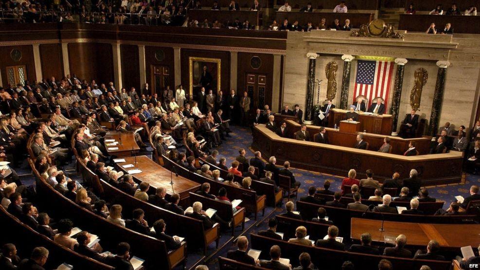 Aprueba Cámara baja de EU ley que sustituye Obamacare
