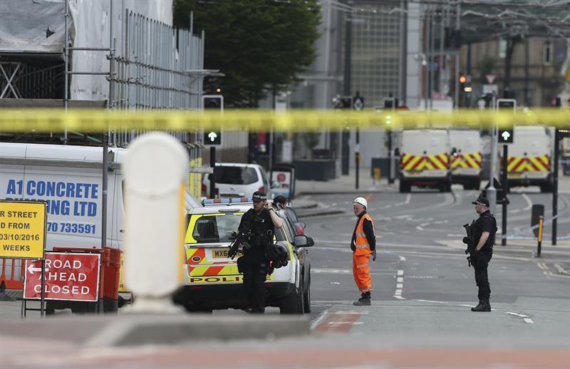 Pánico en un concierto en Manchester por dos explosiones