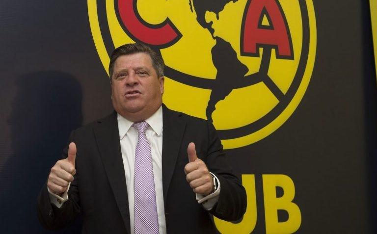Miguel Herrera ya firmó su contrato con América