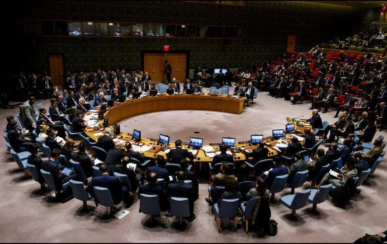 La primera ministra británica convoca al Gobierno para tratar la crisis siria