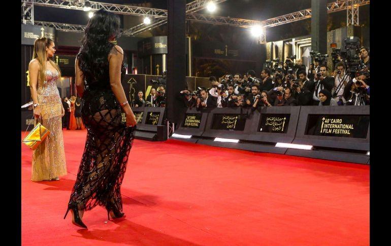 Por enseñar sus piernas... ¡esta actriz podría ir a la cárcel!