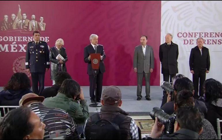 Firma AMLO decreto para esclarecer caso Ayotzinapa
