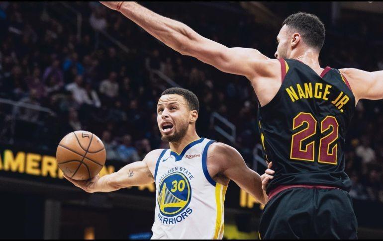 Los Warriors aplastan a los Cavaliers en reedición de la última Final