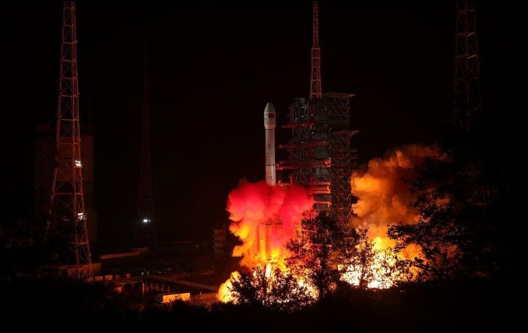 Chinos Entran A Órbita Lunar