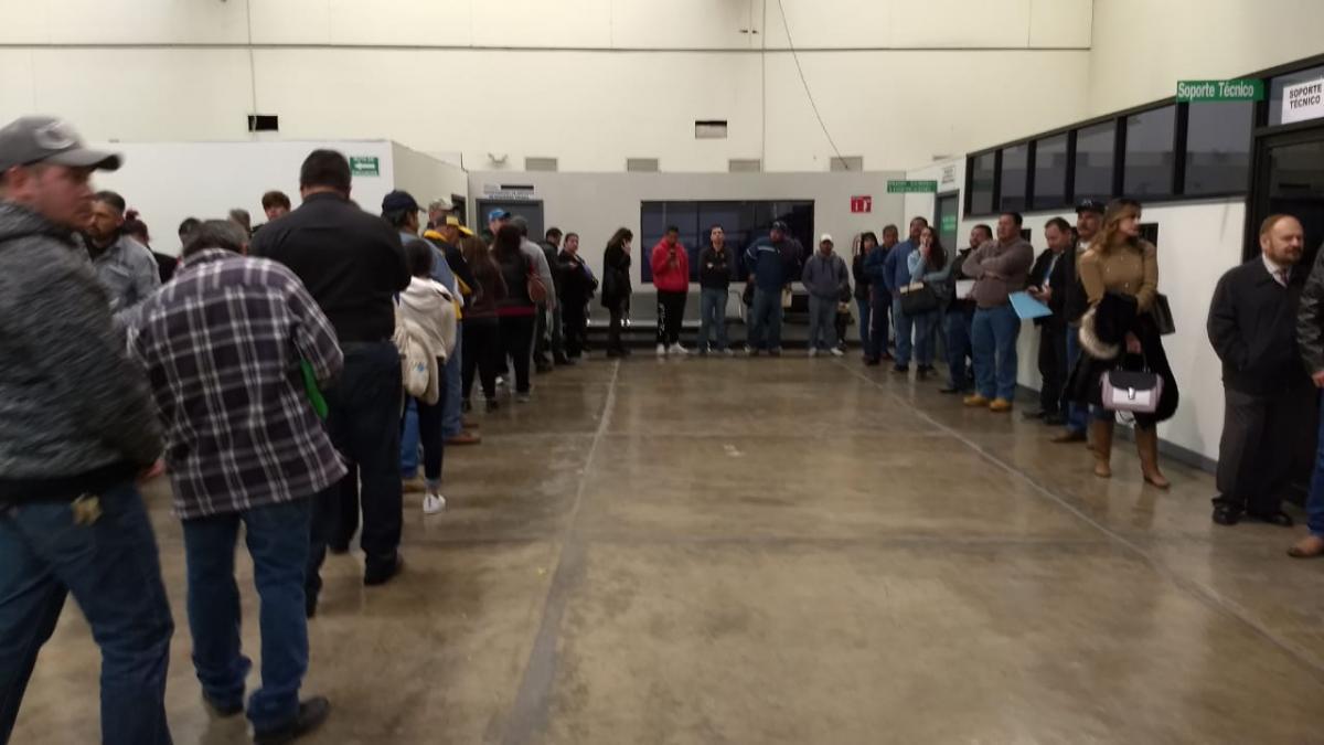 Hasta 300 Personas En Espera Por Horas Para Renovar Licencia
