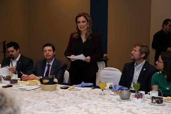 Maru en Cumbre de Alcaldes de México y Estados Unidos