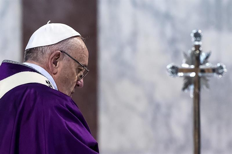 Francisco comienza mañana sus ejercicios espirituales fuera de Roma