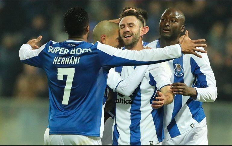Layún y Herrera le dan el triunfo al Porto