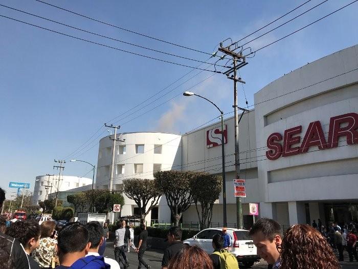 CDMX: Conato de incendio en Plaza Universidad, no hay heridos