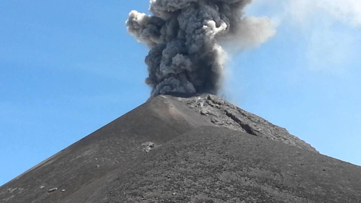 Suman 135 muertos por la erupción del volcán de Fuego