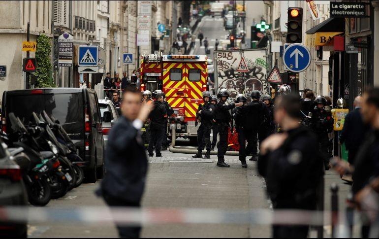 Policía enfrentó toma de rehenes en pleno centro de París