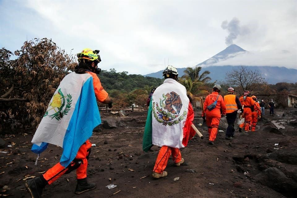 Reanuda Guatemala búsqueda de víctimas   Omnia