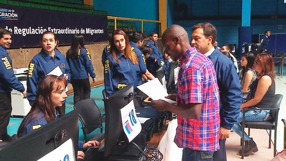 Gobierno ha otorgado 2.131 visas a venezolanos y sólo 2 a haitianos