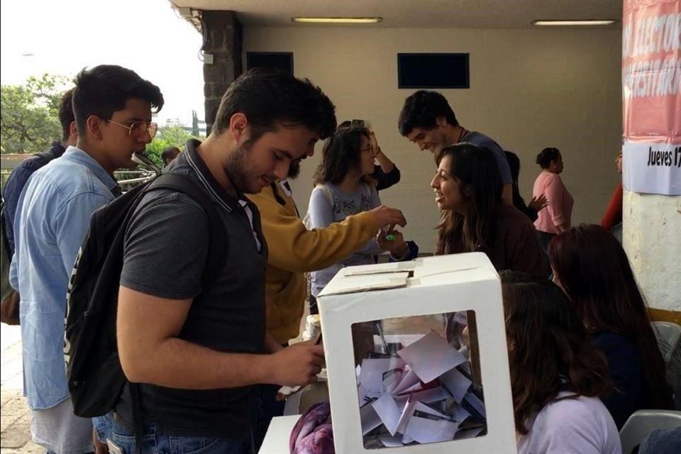 Seis universidades públicas realizan simulacro electoral