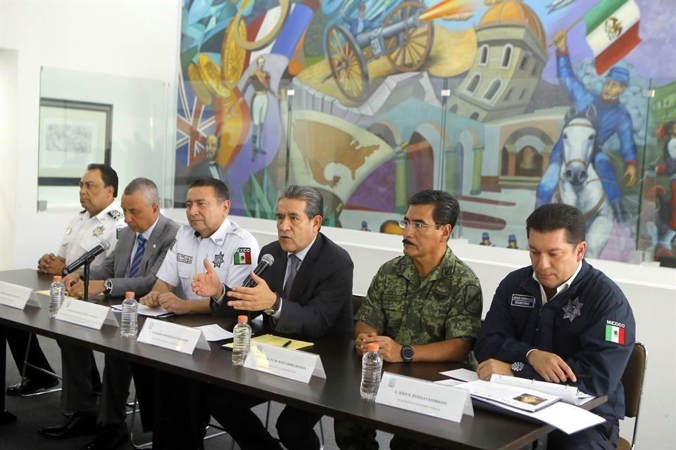 Detienen en Puebla a capo del huachicol, con todo y un tigre