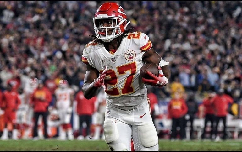 Browns firman a Kareem Hunt como 'segunda oportunidad'