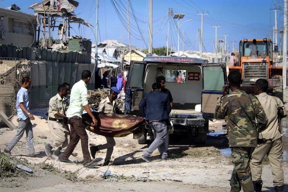 Cinco muertos dejan explosiones y asalto a ministerio