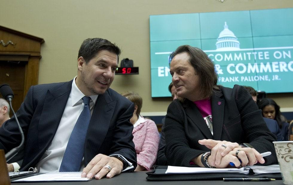 Juez da luz verde a la fusión entre T-Mobile y Sprint