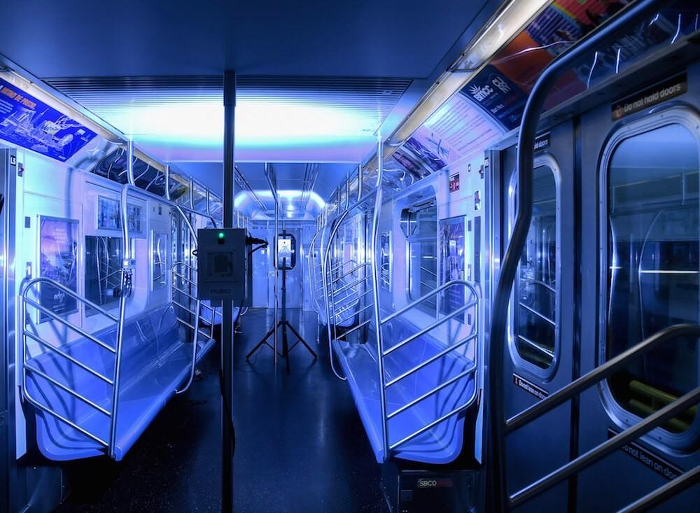 Instalan luz UV en transporte público para combatir al coronavirus